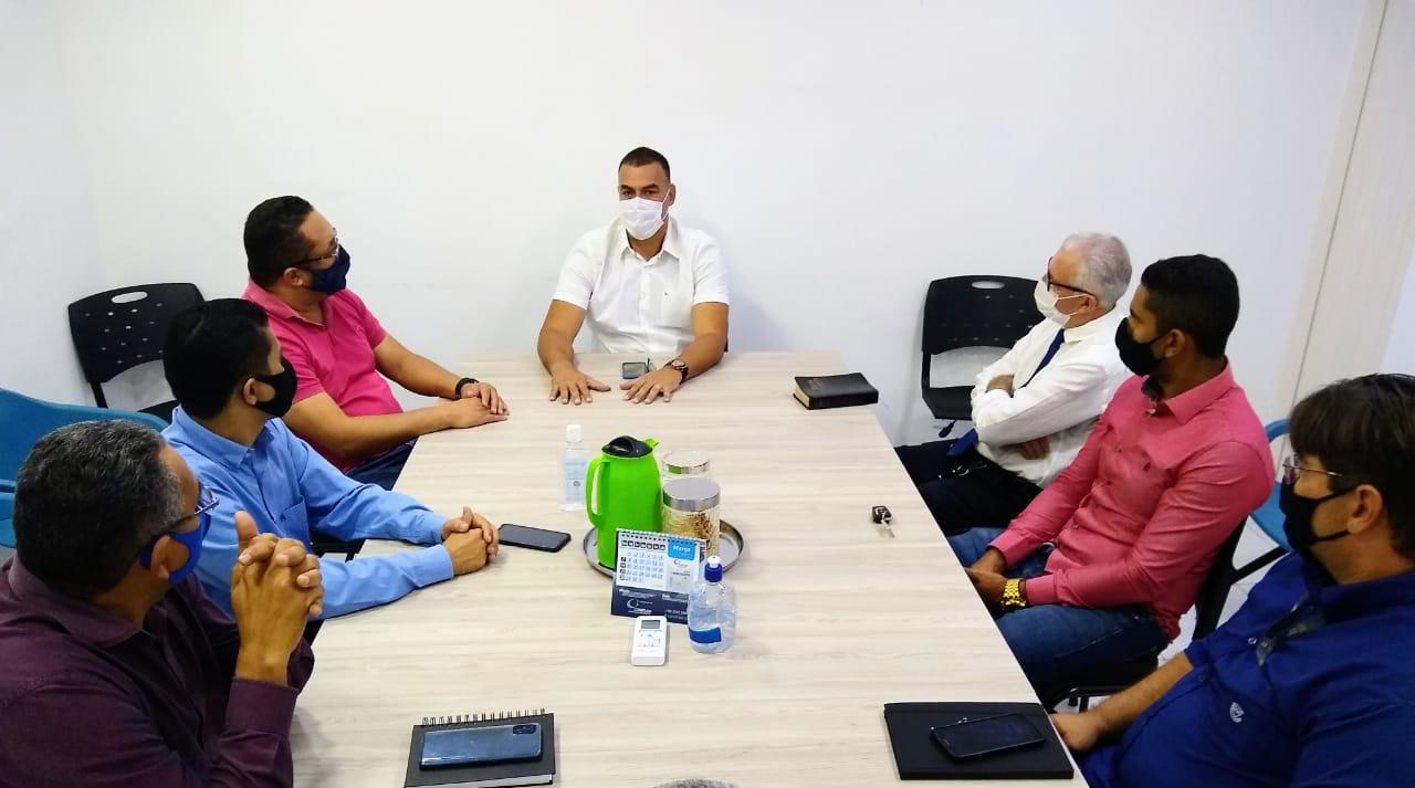 Prefeito se reúne com lideres religiosos para debater protocolos segurança contra a covid-19 em templos e igrejas