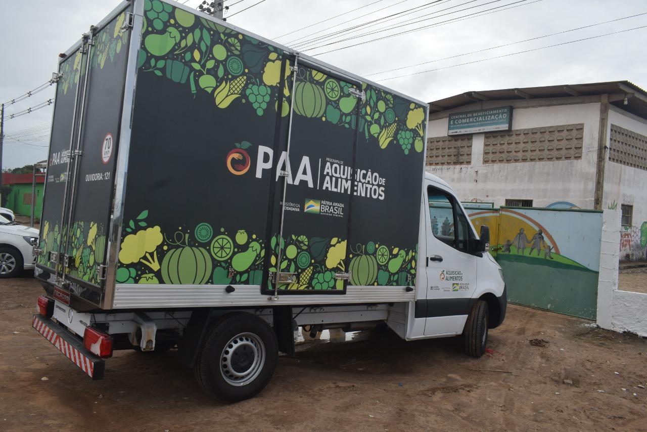 Sapé recebe caminhão e freezers para aperfeiçoar entrega de alimentos da agricultura familiar