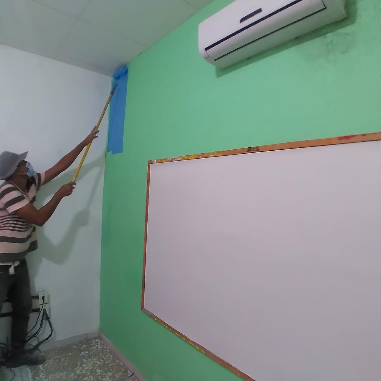 Obras: Prefeitura reforma escolas e sede da Samu em Sapé