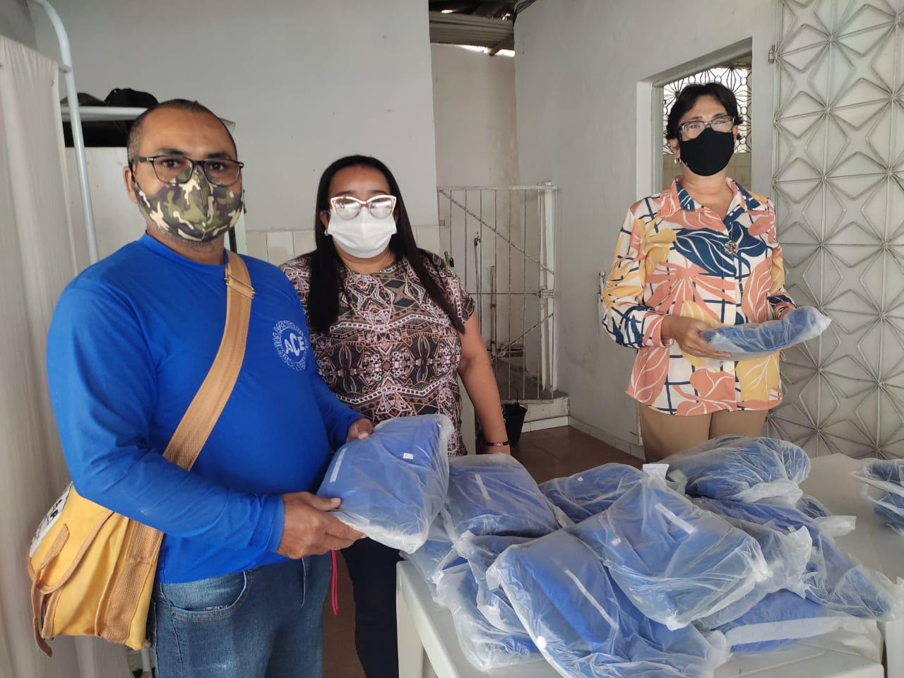 Prefeitura distribui novo uniforme para agentes de combate à endemias