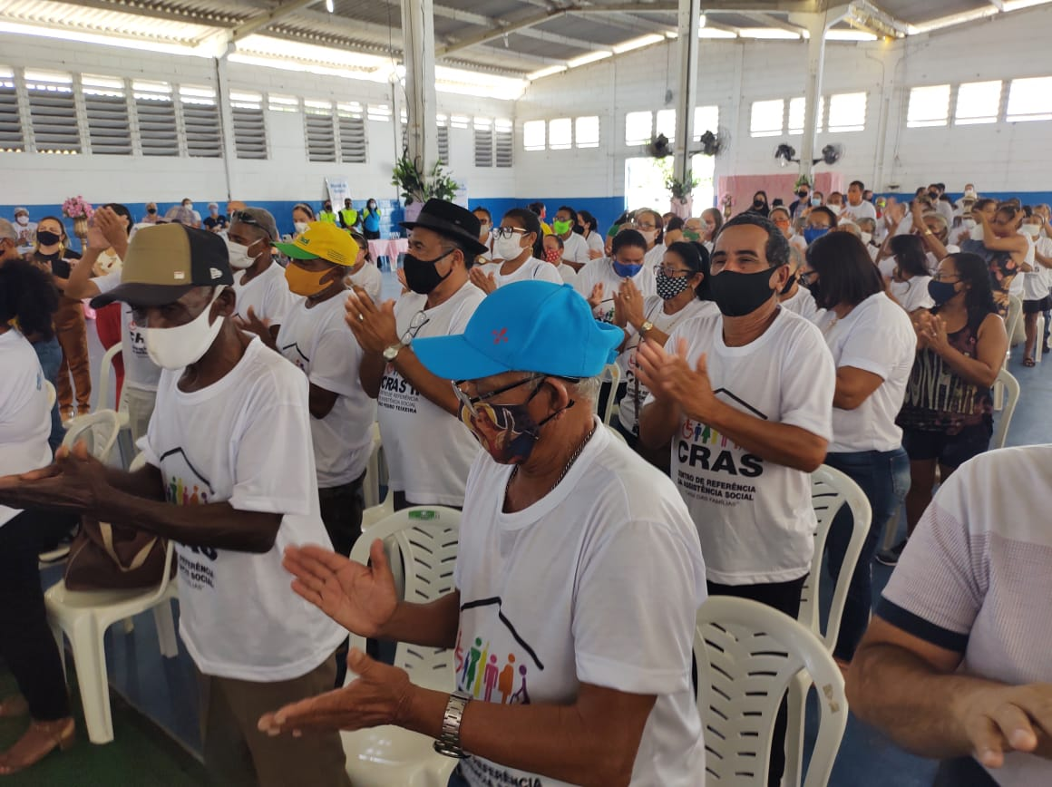 Prefeitura celebra Dia do Idoso com palestras e dinâmicas em grupo